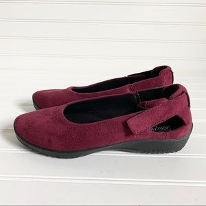 A'rcopedico red adjustable Heel Slip On Shoes 39